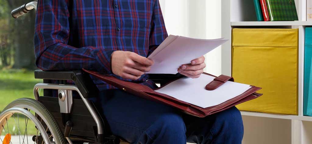фото инвалида с документами