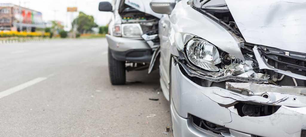 фото поврежденного автомобиля