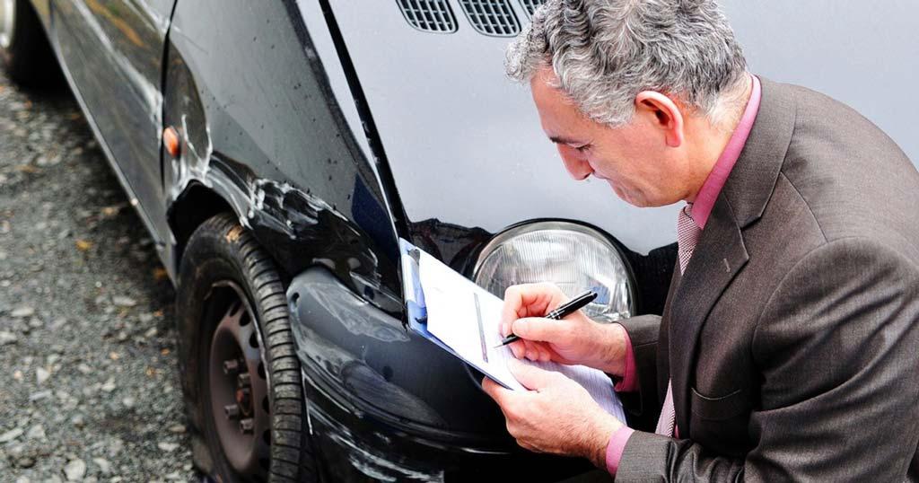 фото экспертизы поврежденной машины